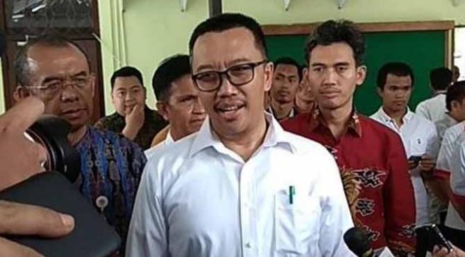 Imam Nahrawi usai menunaikan salat Dzuhur di Masjid Kemenpora, Senayan, Jakarta, Kamis (19/9/2019)
