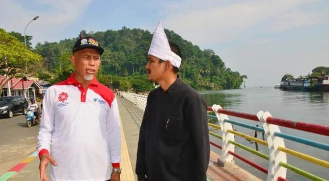 Wali Kota Padang berdiskusi ringan untuk pembangun Bukitgado-gado