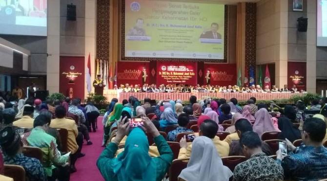 Wakil Presiden Republik Indonesia periode 2014-2019 Jusuf Kalla mengatakan tingkat kecerdasan otak orang Indonesia sama dengan orang Jepang.