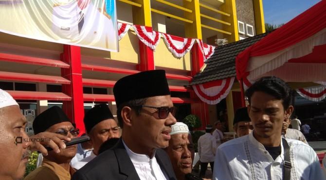 Gubernur Sumbar Irwan Prayitno usai melaksanakan salat Idul Adha
