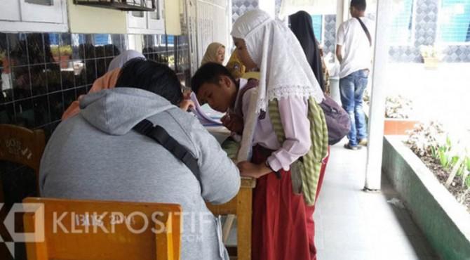 Komisioner KPAI Bidang Pendidikan Retno Listyarti menerangkan ada 8,5 persen aduan masyarakat terkait dengan SMAN minim