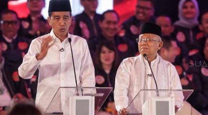 Presiden terpilih Joko Widodo dan Wakil Presiden terpilih KH Ma'ruf Amin