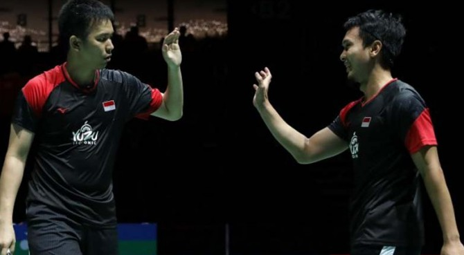 Pasangan ganda putra Indonesia, Hendra Setiawan/Mohammad Ahsan, melaju ke semifinal Kejuaraan Dunia Bulutangkis 2019 usai menang atas Liao Min Chun/Su Ching Heng (China Taipei), Jumat (23/8).