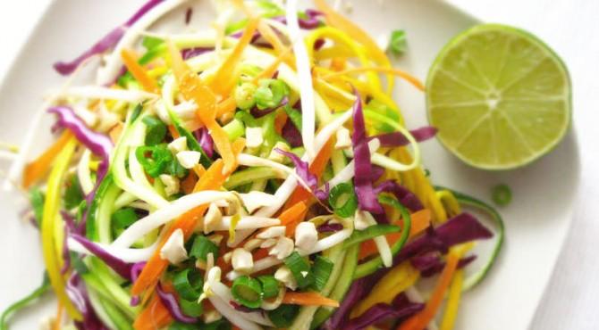 Raw Vegan, adalah pola hidup dengan memakan sayur dan buah-buahan tanpa diolah