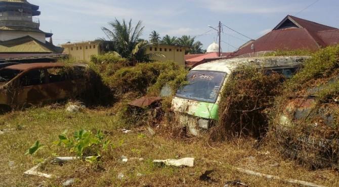 Kondisi kendaraan BB tilang dan bekas kecalakaan