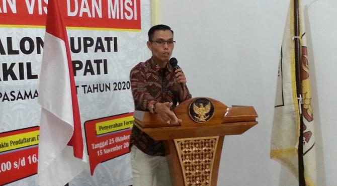 Marta Gunawan (MG) saat sampaikan visi dan misi di DPC Partai Gerindra Pasaman Barat