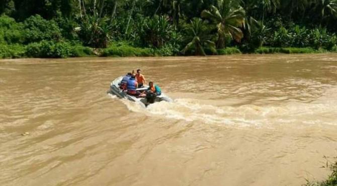 BPBD Kabupaten Sijunjung Terus Menyisir Sungai Batang Ombilin Untuk Mencari Pelajar Terseret Arus