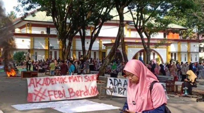 Aksi mahasiswa UIN Imam Bonjol Padang