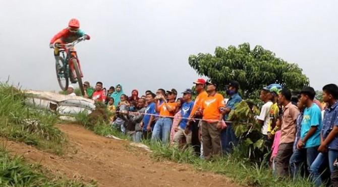 Beberapa Enduro Championship 2019 yang digelar kemarin di Panorama Kayu Kolek, Kabupaten Limapuluh Kota.