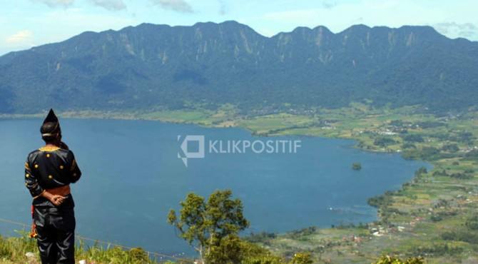 Pesona Danau Maninjau di Kabupaten Agam-Sumbar
