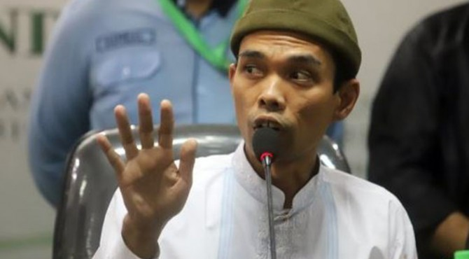 Ustad Abdul Somad (UAS)