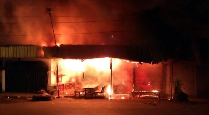 Kebakaran yang terjadi di Pitameh, Kota Padang.