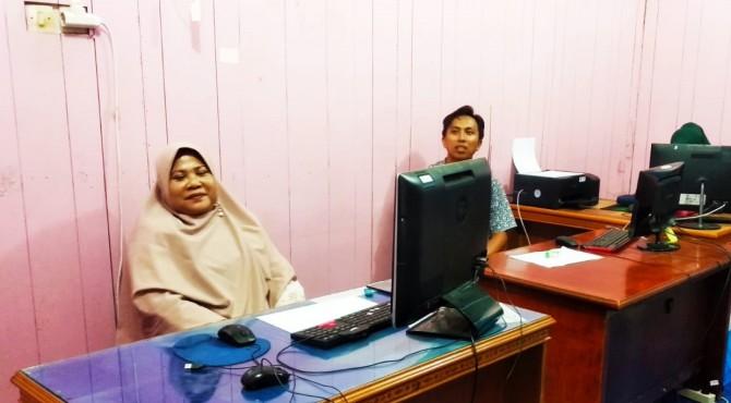 Kepala UPTD Fasilitasi Pembiayaan Rina Wismayarni
