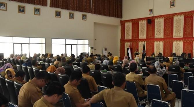 Rapat Evaluasi dan Koordinasi Pelaksanaan Kegiatan Pembangunan Triwulan II Tahun 2019 Di Aula Bagindo Aziz Chan, Balai Kota Padang, Aia Pacah