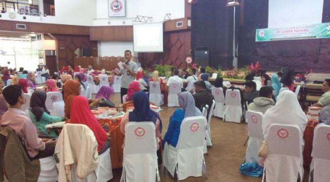 Sebanyak 101 UKM di Sumbar mengikuti pembekalan di Gedung Serba Guna Semen Padang