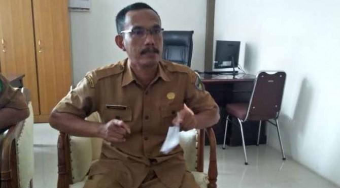 Sekretaris Dinas Peternakan dan Kesehatan Hewan Kabupaten Pesisir Selatan, Yosro didampingi Kasi Kesehatan Masyarakat Veteriner, Joni Alvian