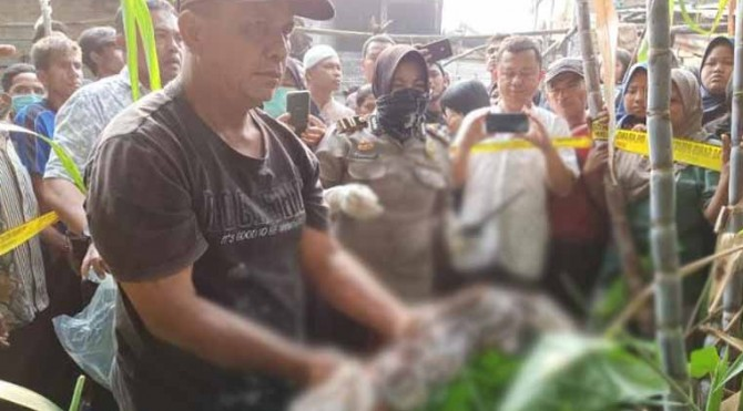 Penemuan mayat bayi di Andaleh Baruh Bukit Tanah Datar.