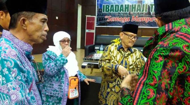 Jamaah calon haji asal Padang yang gagal berangkat karena penyakitnya.