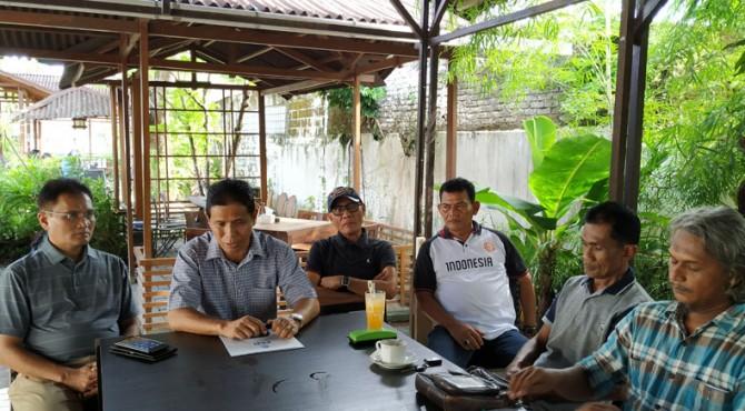 Pembahasan manajemen Tim Sepak Bola Sumbar