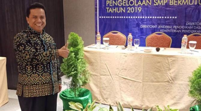 Kepala Sekolah SMPN 4 Payakumbuh, Mardiyus.