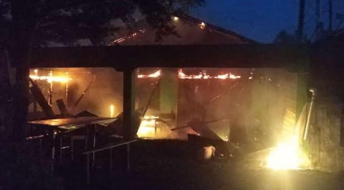 Kebakaran hanguskan rumah di Padang