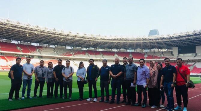 Delegasi FAM dan PSSI foto bersama di Stadion Gelora Bung Karno Jakarta