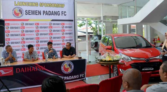 Launching sponsorship Semen Padang FC dengan Daihatsu.