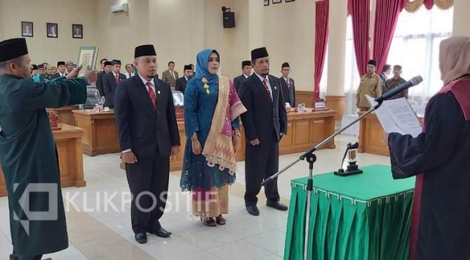 Pengambilan sumpah ketua defenitif DPRD Kota Payakumbuh periode 2019-2024.