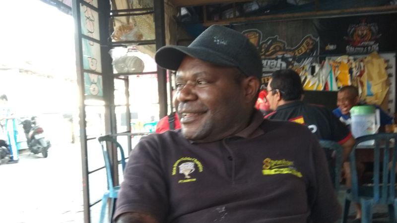 Yance Dumupa, Pria Asal Papua yang Kini Mengabdikan Diri di Kota Sawahlunto