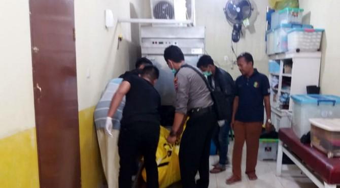 Korban dibawa ke Rumah Sakit Bhayangkara