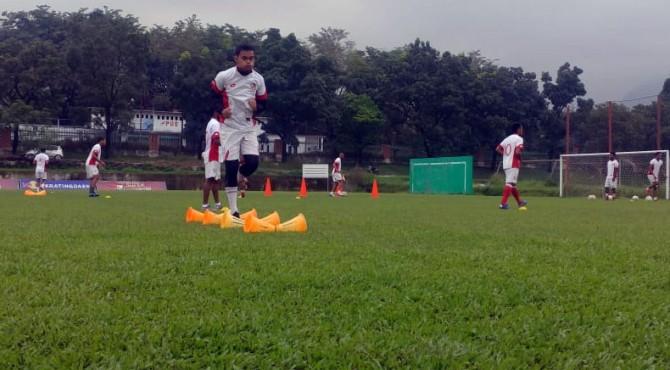 Latihan tim Semen padang FC