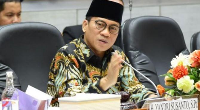 Ketua Komisi VIII DPR RI Yandri Susanto.