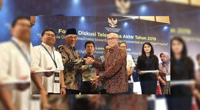 Wali Kota Padang Mahyeldi Ansharullah terima Buku Putih