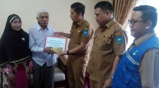 Pemko Sawahlunto Serahkan Bantuan ke Warga Asal Sawahlunto Korban Gempa Palu.