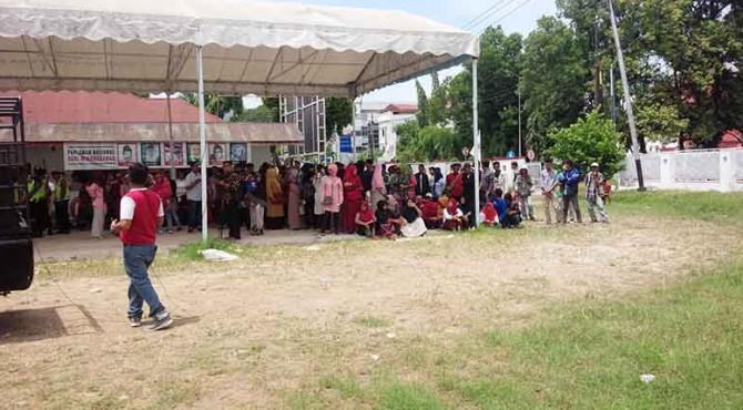 Demo di depan kantor DPD Gerindra.