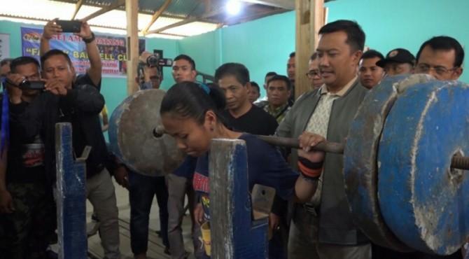 Menpora Imam Nahrawi datangi tempal latihan Sandra di Padang
