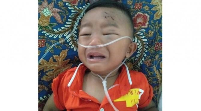 Habib Abdul Azim (2 tahun) sedang dirawat di RS Yos Sudarso Padang