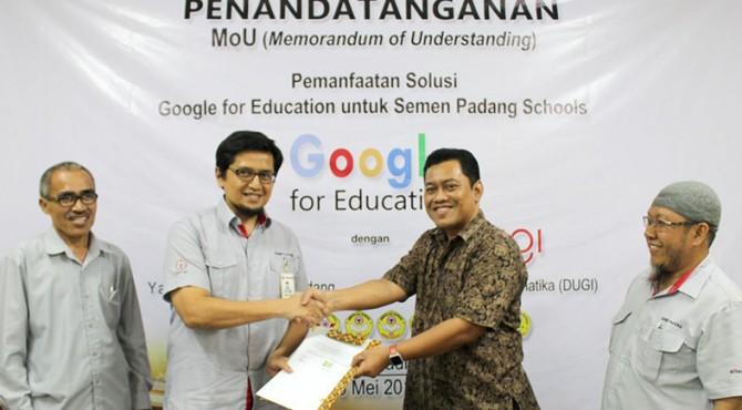 Yayasan Igasar Semen Padang menjadi sekolah pertama di Kota Padang yang melakukan penandatangan kerjasama (Mou) pemanfaatan solusi Google for education untuk Semen Padang Schools.
