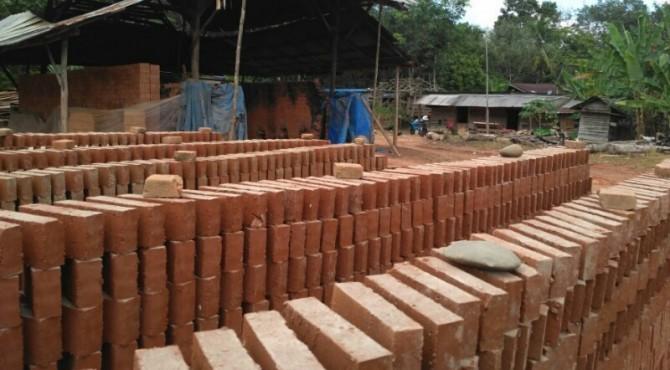 Salah Satu Usaha Batu Bata di Dharmasraya