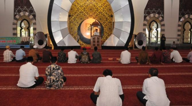 ASN Pemprov Sumbar tampak sedikit sekali mengikuti wirid bulanan di Masjid Raya Sumbar