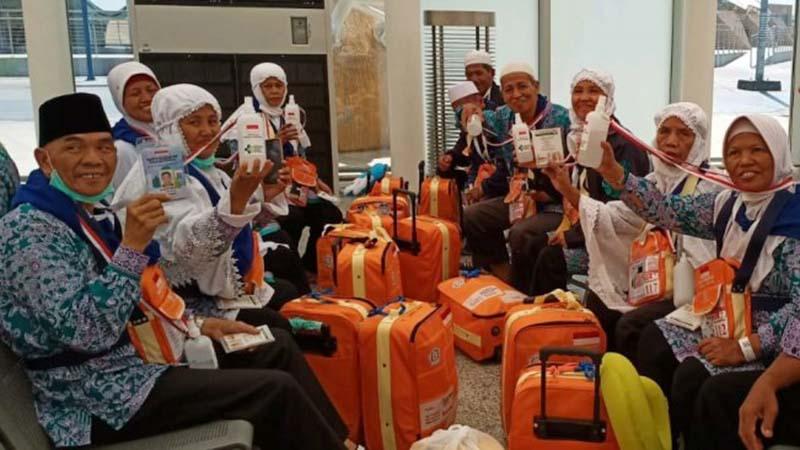Jamaah haji Indonesia dianjurkan meminum banyak air putih untuk mencegah dehidrasi