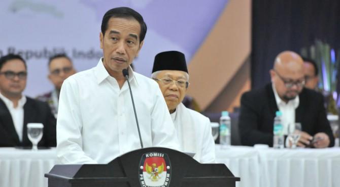 Calon Presiden Terpilih Joko Widodo pada Penetapan Paslon Presiden dan Wapres Terpilih Pemilu 2019, di Kantor KPU, Jakarta, Minggu (30/6) sore.
