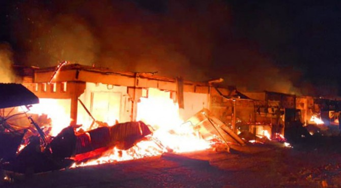 Kebakaran Pasar Kuok di Batangkapas, Pessel,
