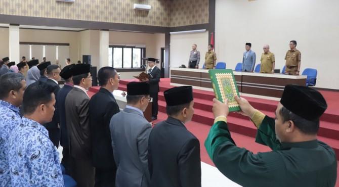 Proses pengambilan sumpah 67 pejabat di lingkungan Pemko Payakumbuh.