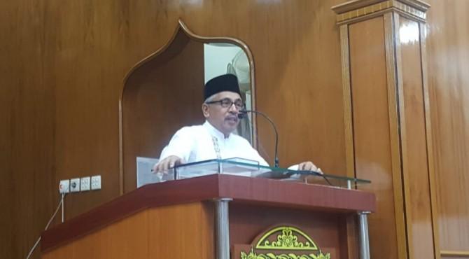 Komisaris PT Semen Padang, Khairul Jasmi saat memberikan sambutan pada kegiatan Safari Ramadan tahun lalu.