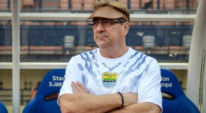 Pelatih Persib, Robert Rene Albert