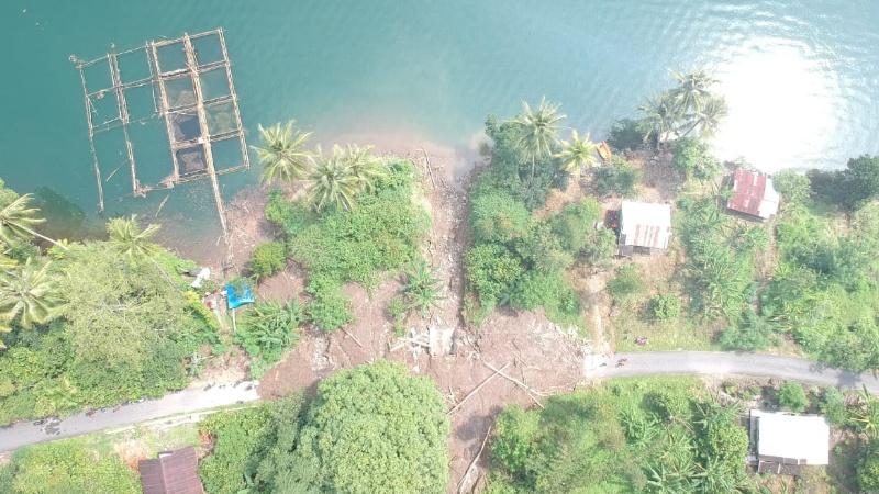 Titik longsor di Tanjung Sani Agam tampak dari atas