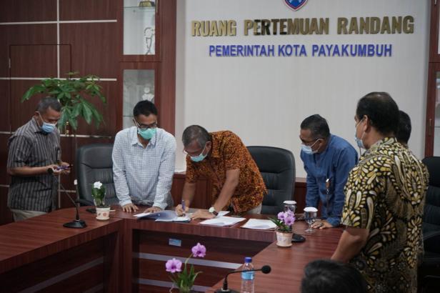 Penandatanganan APBD Kota Payakumbuh TA 2021.
