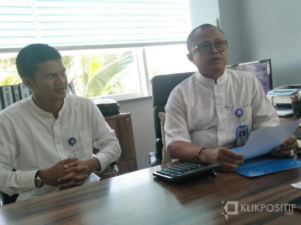 Wakil Pinca Bank Nagari Painan, Afni Can, didampingi Kasi Kerdit Komersil, Zidel Leon