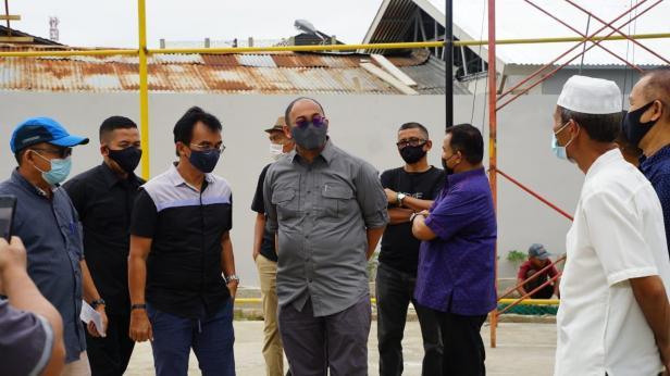 Andre Rosiade mengunjungi Rabani Sport Centre di Kompleks Puri Berlindo-Sumbar Mas, Kelurahan Kubu Dalam Parak Karakah, Kecamatan Padang Timur, Kota Padang.